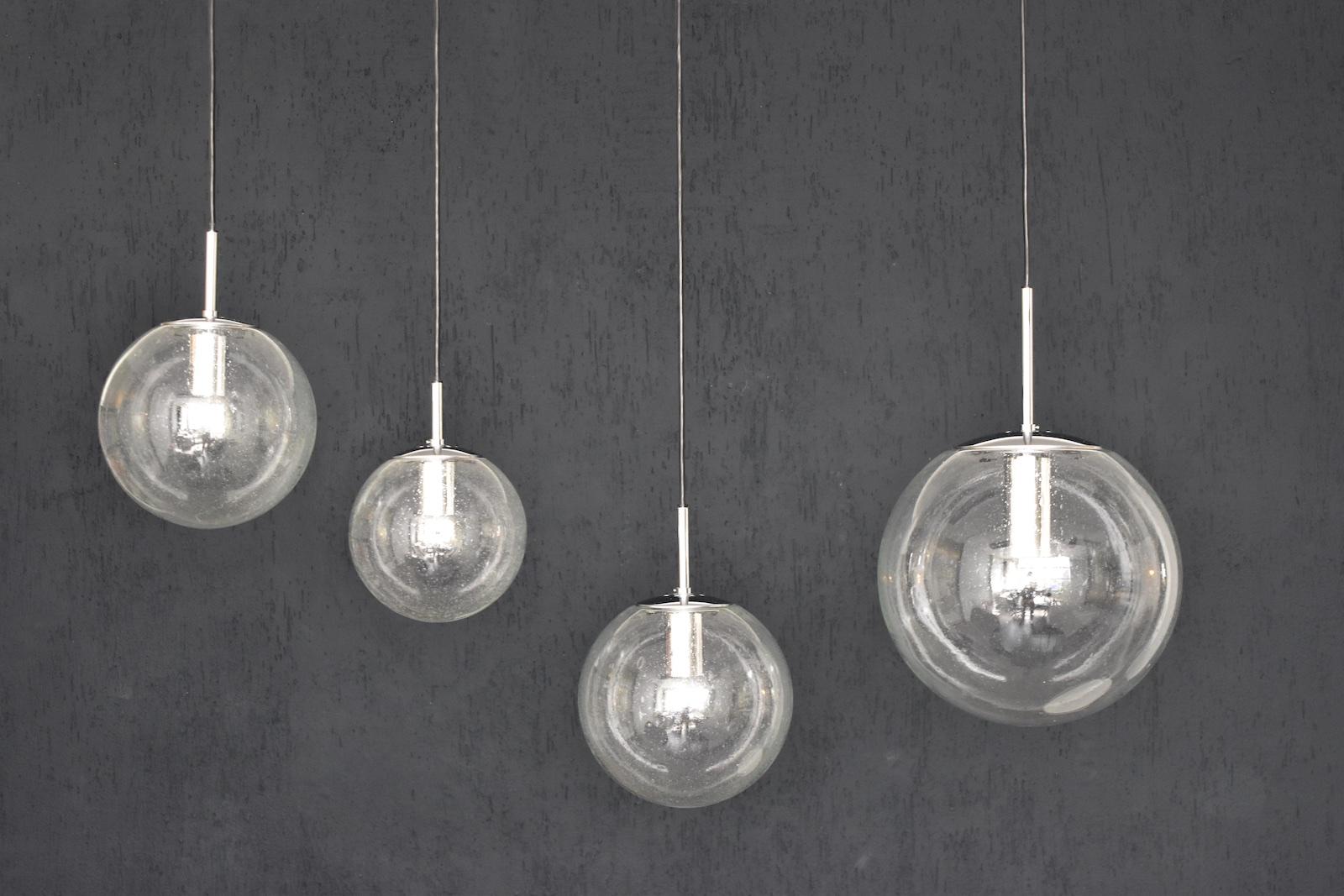 4x glash tte limburg 4101 pendelleuchten bubble globe. Black Bedroom Furniture Sets. Home Design Ideas